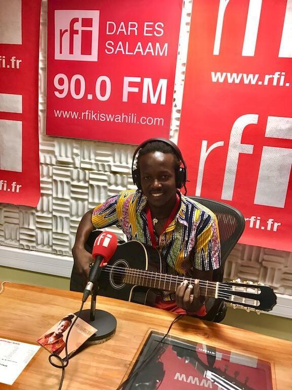 Isaack Abeneko msanii wa muziki wa asili kutoka Tanzania