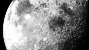 Zipf's law applies to words ... and the craters of the moon