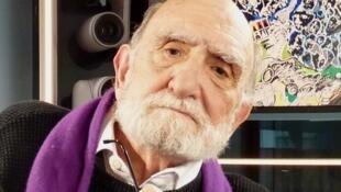 Luis Felipe Noé en los estudios de RFI