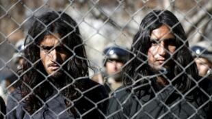 Os rebeldes talibãs boicotaram as negociações retomadas no Paquistão.