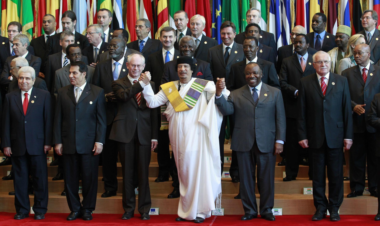 Dirigentes africanos e europeus na cimeira de Tripoli em 29 de Novembro de 2010