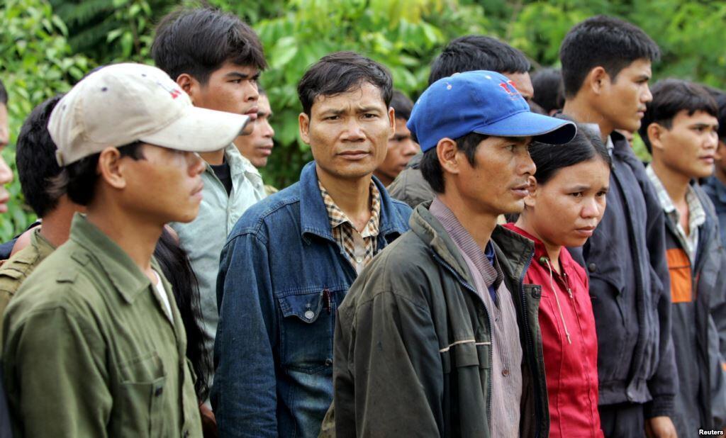 Một nhóm người Thượng ở tỉnh Ratanakiri, đông bắc Cam Bốt, ngày 22/07/2004.