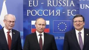 Херман Ван Ромпей, Владимир Путин и Жозе-Мануэл Баррозу, Брюссель, 28 января 2014.