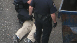 Arrestation dans le Downtown Eastside de Vancouver.