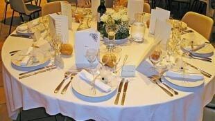Gastronomie française, une table bien dressée.