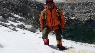 Альпинист Ара Хачатурян на Эвересте, 24 апреля, 2015 год