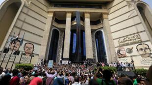 هزاران روزنامه نگار مصری خواستار استعفای وزیر کشور شدند