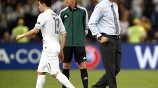 Nếu còn tiếp tục với đội tuyển Pháp, huấn luyện viên Laurent Blanc còn rất nhiều việc phải làm để tiếp tục xây dựng lại đội hình đội tuyển Pháp trong tương lai.