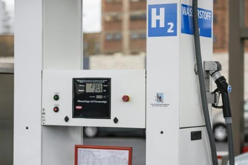 Estações de hidrogênio começam a surgir, como esta na Alemanha.