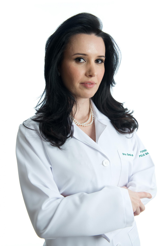 """""""A pele é um medidor de alguns tipos de doenças"""", diz a dermatologista Carla Bortoloto."""