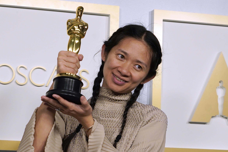 Chloé Zhao lors de la remise des Oscars pour « Nomadland », le 25 avril 2021 à Los Angeles.