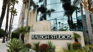 Les tournages de films et de séries sont arrêtés dans les studios de Los Angeles, le 8 avril 2020.