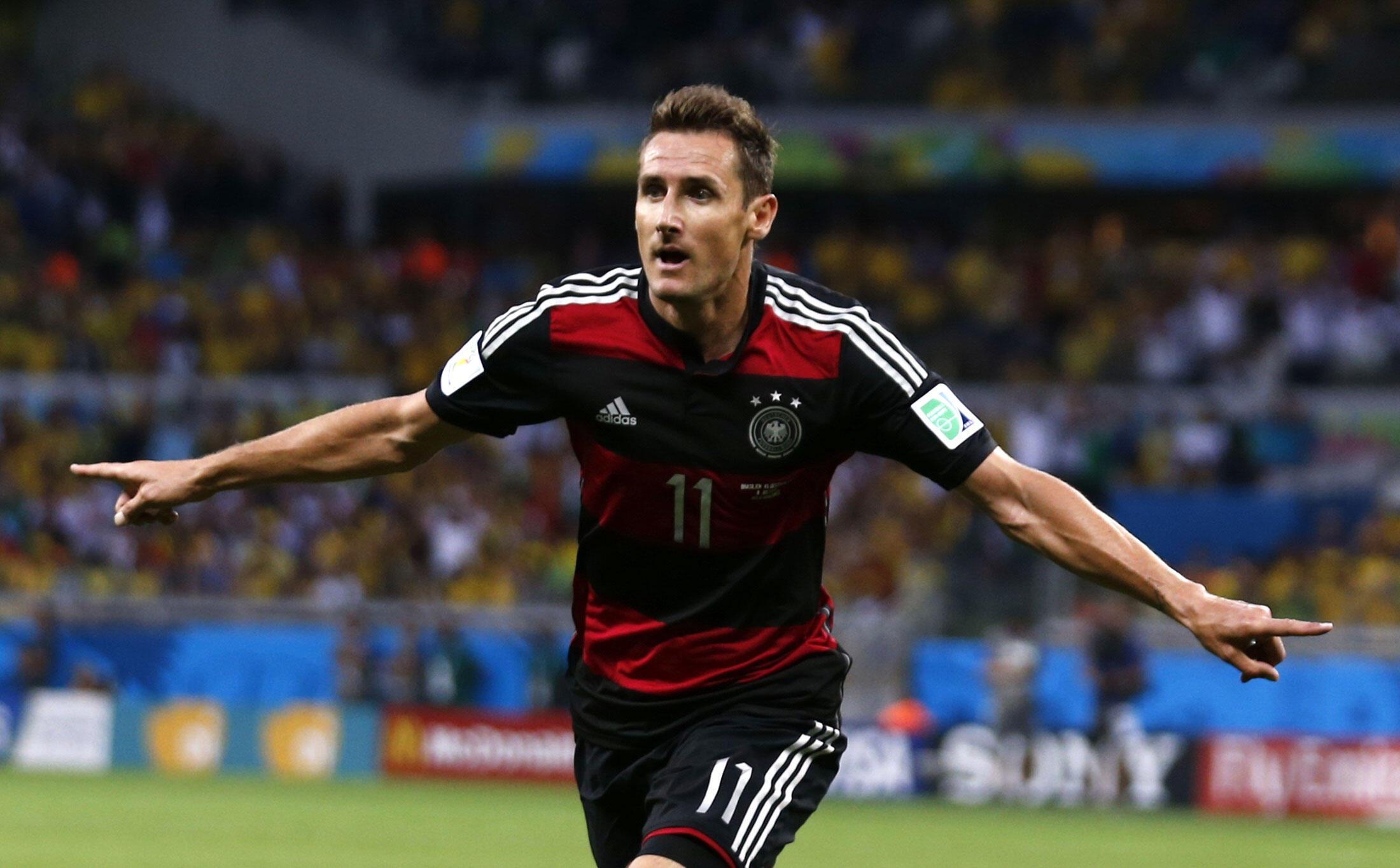 Miroslav Klose akivunja rekodi wa kufunga mabao.