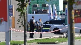 Polícia patrulha região próxima à discoteca Club Grey, em Konstanz, no sul da Alemanha.