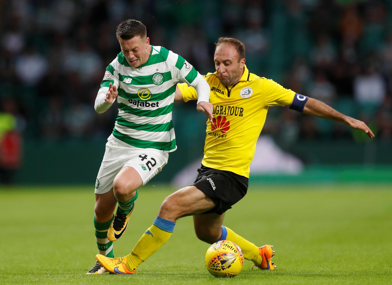 Callum McGregor (Celtic Glasgow) aux prises avec Artur Yedigaryan (Alashkert) au premier tour qualificatif de la Ligue des champions 2018-19.