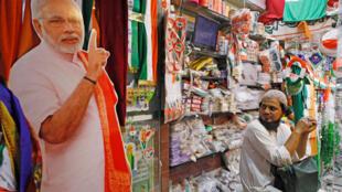 印度立法选举以及地方选举开跑图为2019年4月8日一个竞选广告牌。