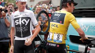 Chris Froome (g.) et Geraint Thomas sur le Tour de France 2018.