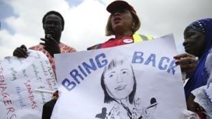 Manifestation à Lagos pour demander le retour des adolescentes, le 5 mai 2014.