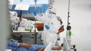 ESPAGNE - COVID 19  2021-01-29T151826Z_1467489287_RC2RHL94H1CX_RTRMADP_3_HEALTH-CORONAVIRUS-SPAIN-HOSPITAL
