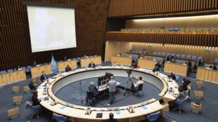 Imagen de una sesión especial del comité directivo de la OMS sobre la pandemia del coronavirus, el 5 de octubre de 2020 en la ciudad suiza de Ginebra