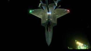 Un chasseur américain dans le ciel syrien.