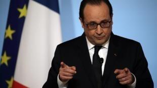 A popularidade do presidente francês, François Hollande, passou de 18% para 40% na semana após os atentados.
