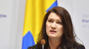 (ARCHIVO) La ministra de relaciones Exteriores de Suecia, Ann Linde, asiste a una conferencia de prensa conjunta con su homólogo ucraniano tras su reunión en Kiev el 2 de marzo de 2020.
