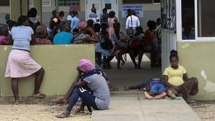 Autoridades sanitárias angolanas multiplicaram testes em zonas consideradas críticas, como mercados devido a coronavírus.