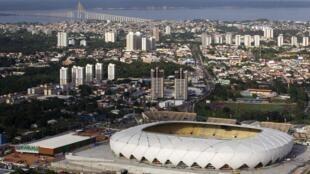 Arena da Amazônia, estádio de Manaus para Copa, depois de 4 anos de obras foi inaugurada neste domingo, 9 de março.