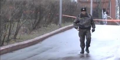 Полицейское оцепление после взрыва у здания КГБ в Витебске 12/11/2012