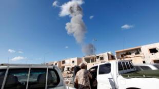 En Libye, à Tripoli, de violents affrontements ont de nouveau éclaté ce dimanche.