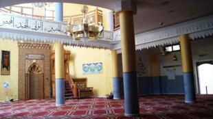 A Catane, la mosquée multiplie les aides sociales.