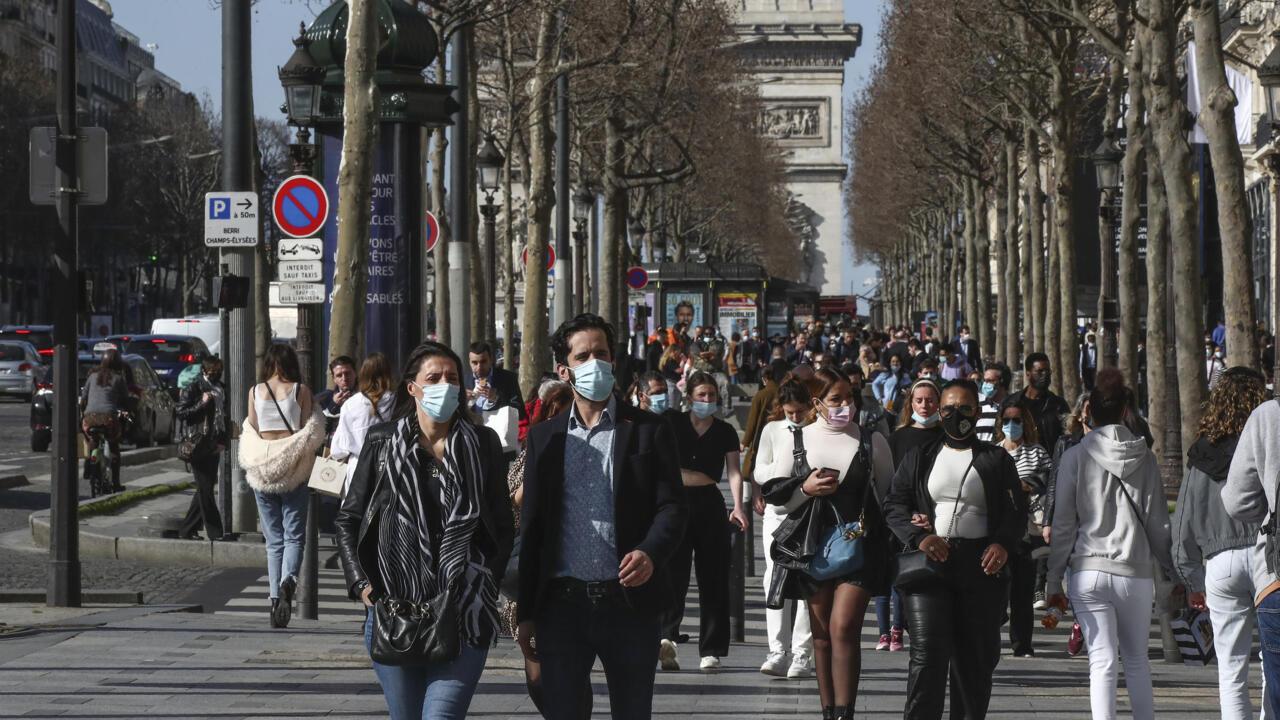Paris opposition shoots down mayor's plan for three-week lockdown