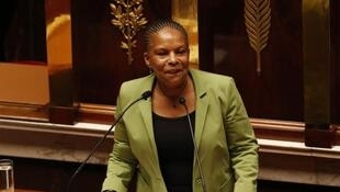 A ministra da justiça, Christiane Taubira denuncia deriva da sociedade para o racismo.