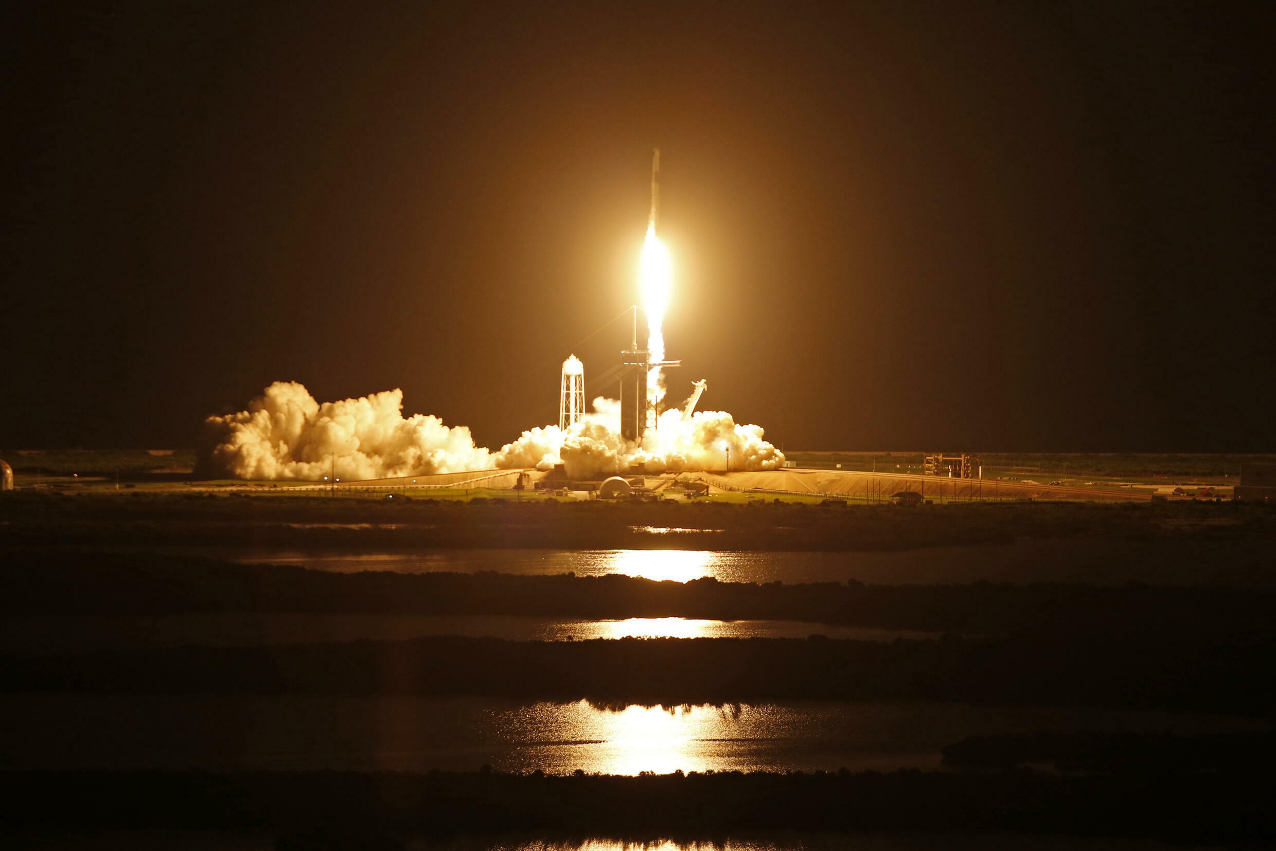 2021-09-16T011224Z_161067636_HP1EH9G03CL0O_RTRMADP_3_SPACE-EXPLORATION-SPACEX