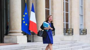 La ministre française des Affaires étrangères, en charge des Affaires européennes, à sa sortie de l'Elysée, le 27 septembre 2017 à Paris.