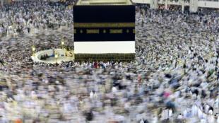 La Kaaba, à la Grande Mosquée de La Mecque. (Illustration).
