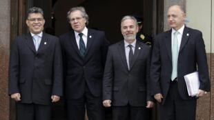 Los cancilleres de Venezuela, Elías Jaua, de Uruguay, Luis Almagro, de Brasil, Antonio Patriota, y de Argentina, Héctor Timermán, durante la reunión ministerial preparatoria de la cumbre presidencial de Mercosur, el 11 de julio de 2013.