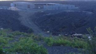 Construções em cima das lavas em Chã das Caldeiras, ilha do Fogo, Cabo Verde