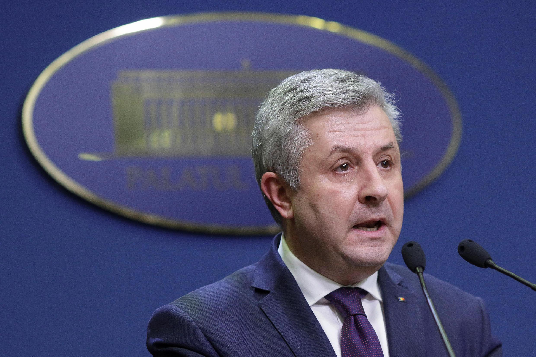 Cựu bộ trưởng Tư Pháp Rumani Florin Iordache tuyên bố từ chức trong cuộc họp báo tại Bucarest, ngày 09/02/2017
