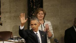 Barack Obama saúda o Congresso após o seu último discurso sobre o estado da União , 12 de Janeiro de 2016.