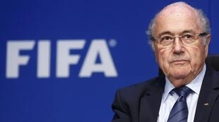 Joseph Blatter en rueda de prensa tras su reelección a la cabeza de la FIFA.