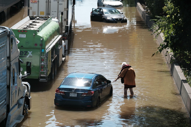 2021年9月2日纽约被淹的街道