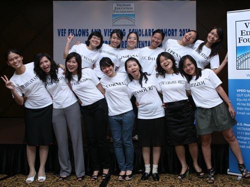 Cuộc gặp mặt của các nghiên cứu sinh theo học bổng của Quỹ VEF (theo trang mạng duhoc.com)