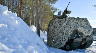 La Suède mène des exercices militaires dans le Golfe de Botnie, en coopération avec les armées alliées, le 22 mars 2019.
