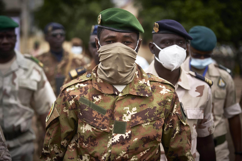 本周一(2021年6月7日),阿西米-戈伊塔上校Le colonel Assimi Goïta宣誓就职成为马里新国家元首