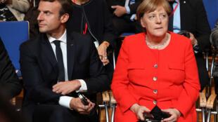 Le président français Emmanuel Macron et la chancelière allemande Angela Merkel, le 10 octobre 2017 à Francfort.