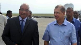 Malgré les efforts des médiateurs Jacob Zuma (g) et  James Mitchel (d), aucun accord n'a été trouvé entre Marc Ravalomanana et Andry Rajoelina à Victoria, ce 8 août 2012.