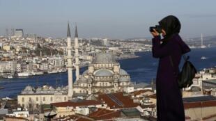 Le détroit du Bosphore à Istanbul, Turquie, le 12 janvier 2016 (image d'illustration).