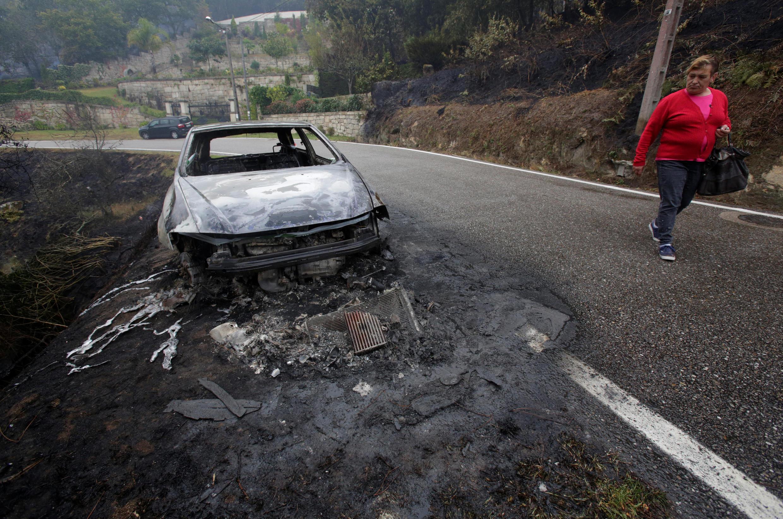Les feux ont aussi ravagé les forêts de Galice, au nord de l'Espagne, comme ici à Chandebrito, le 16 octobre 2017.
